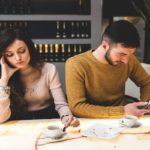 6 metodi per scoprire se il tuo compagno/a ti tradisce